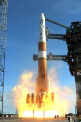 Delta IV rocket lifting off with GOES-O satellite Photo