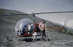 Helicopter bringing Bob Pryce to observation point Photo