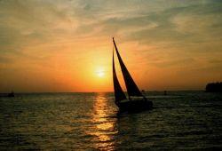 Sailing days sunset Photo