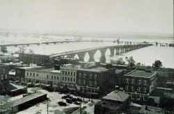 The Great Mississippi River Flood of 1927 The Arkansas River at Fort Smith, Arkansas April 16, 1927 - river stage at 36.7 feet From: