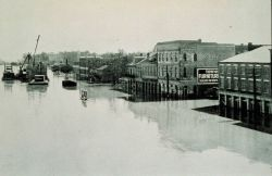 The Great Mississippi River Flood of 1927 The river front at Cape Girardeau, Missouri, on April 20, 1927 The river stage was at 40 feet From: