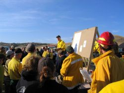 A fire weather briefing for firefighters. Image