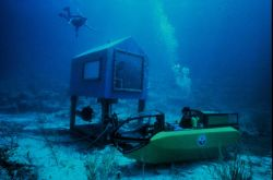 Perry wet sub and mobile habitat (MOHAB) off Lee Stocking Island. Photo