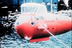 ASHERAH,shallow (200 m), cheap ($25,000) Navy submersible built in 1964. Image