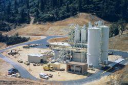 An acid mine drainage (AMD) treatment plant at Iron Mountain Mine. Image