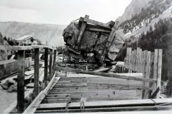 Moving rock on the Golden Gate Bridge, Yellowstone National Park Photo