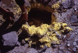 Sulfur crystals - Mirror Plateau - Mineral deposits Photo