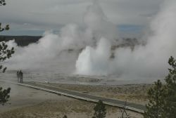 Visitors at Fountain geyser Photo