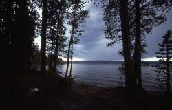 Lewis Lake Photo