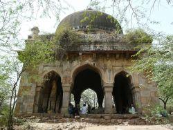 Mehrauli Archaeological Park, Delhi Photo