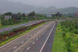 Mumbai Pune Expressway Photo