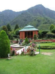 Nishat Bagh -  Srinagar Photo