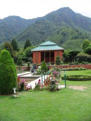 Nishat Bagh -  Srinagar Photo